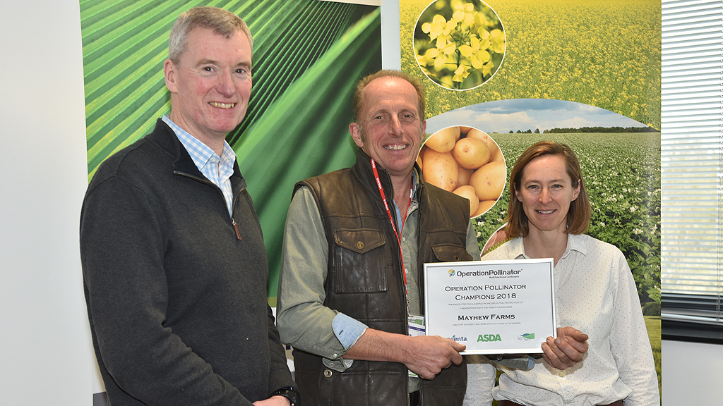 Green Headlands Award Winner, Geoff Mayhew, with Chris Brown of ASDA and Syngenta's Belinda Bailey