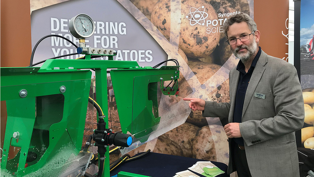 Michael Tait with new Amistar applicator demo set up