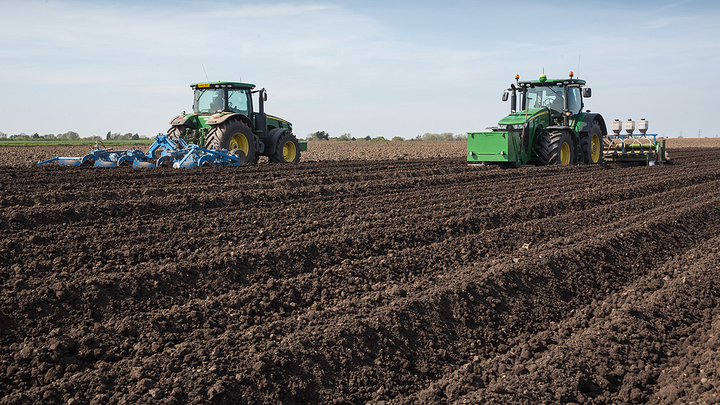 Potato growers and agronomists will need to make new choices with pre-em herbicide options this season