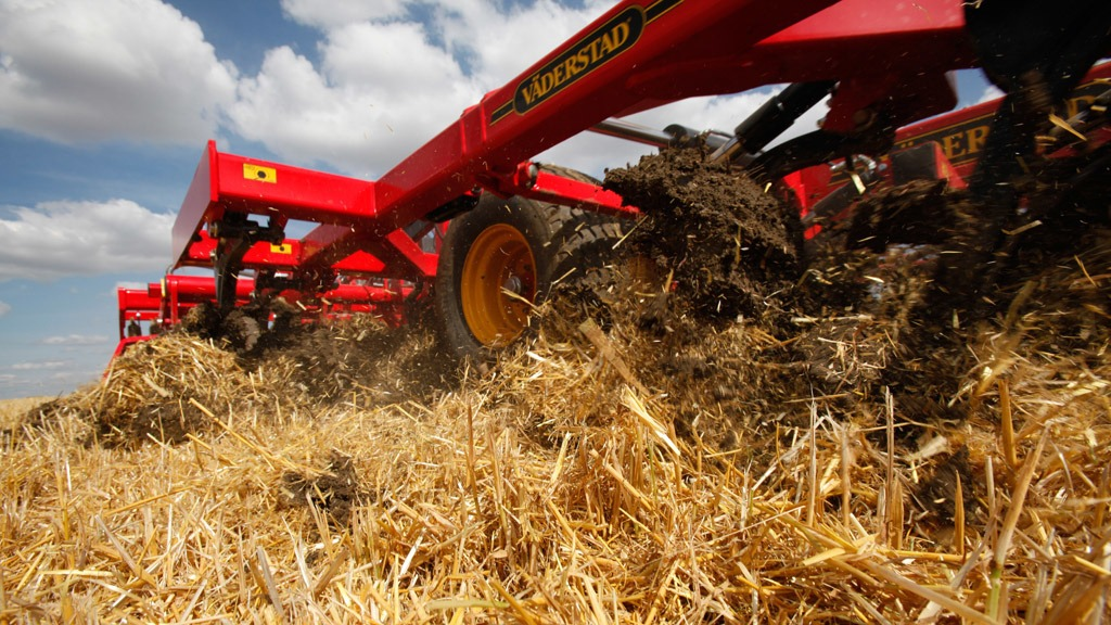 Cultivation practices designed to preserve soil quality and environmental resources
